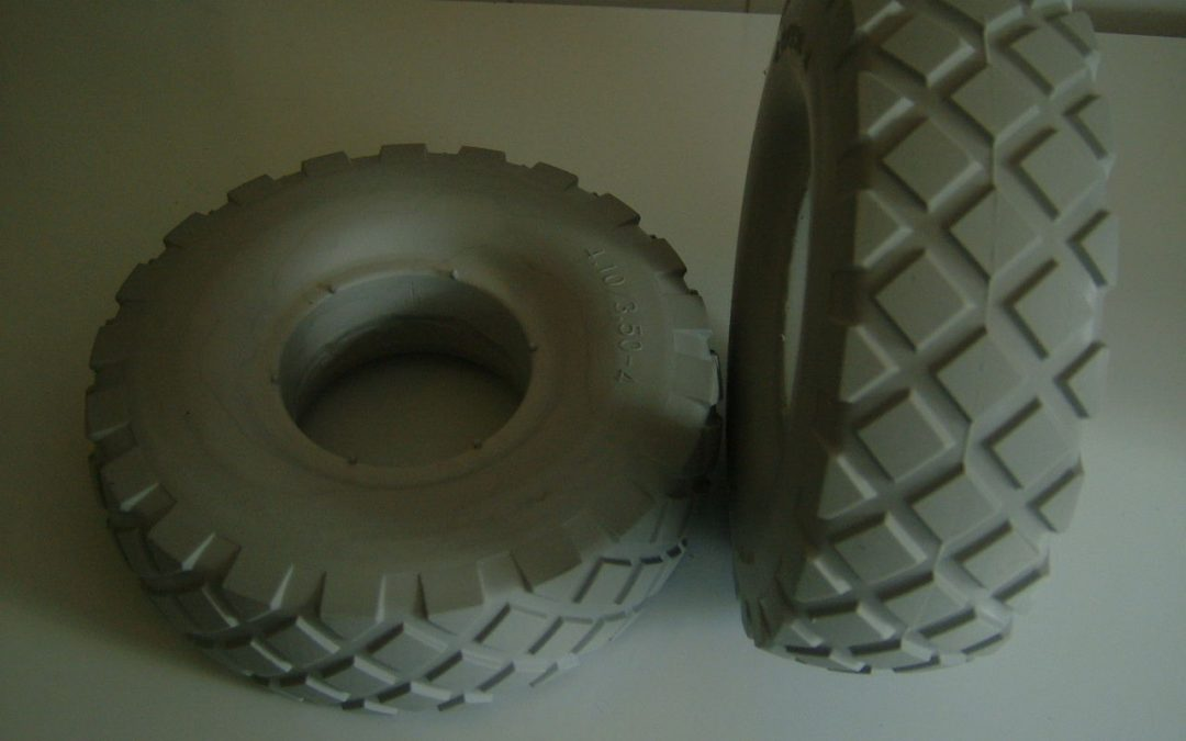 PAIR OF PUNCTURE PROOF 4.10/3.50-4 MOBILITY SCOOTER TYRES. BRAND NEW GREY.